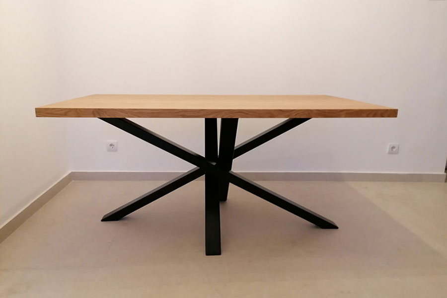 trpezarijski sto, Classico